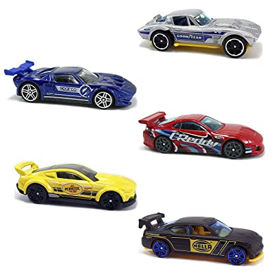 Hot Wheels 2020 HW Speed Graphics 5-Pack: Toys & Games