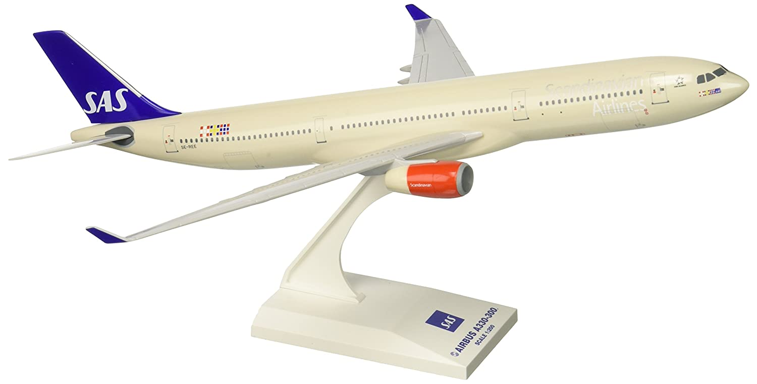 Skymarks SKR573 Scandinavian SAS Airbus A330-300 1:200 Snap-Fit Model