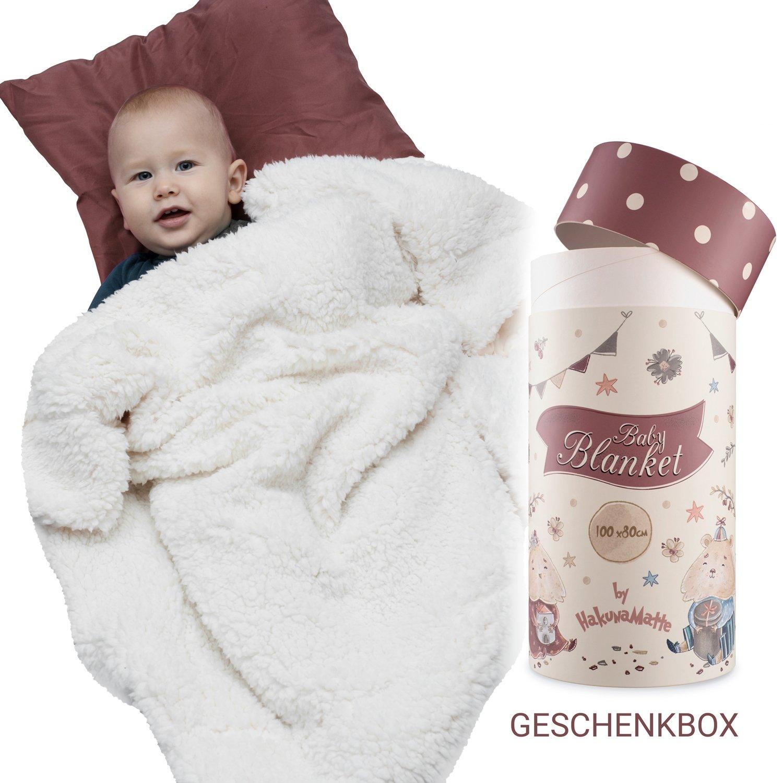 Flauschige Babydecke, Geschenk zur Geburt   Weiche Minky-Sherpa Kuscheldecke, Krabbeldecke & Kinderwagendecke für Junge & Mädchen   Hochwertige Geschenkbox   Öko-Tex 100 zertifiziert   100x80cm beige Hakuna Matte
