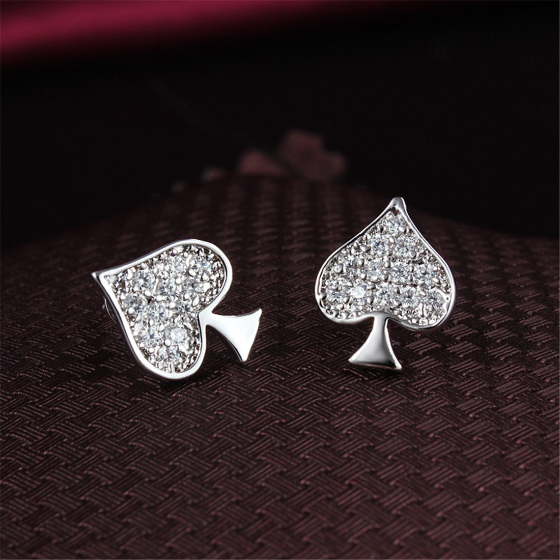 Gold Plated Little Cute Fashion Queen Heart Spade Stud Earring for Girl