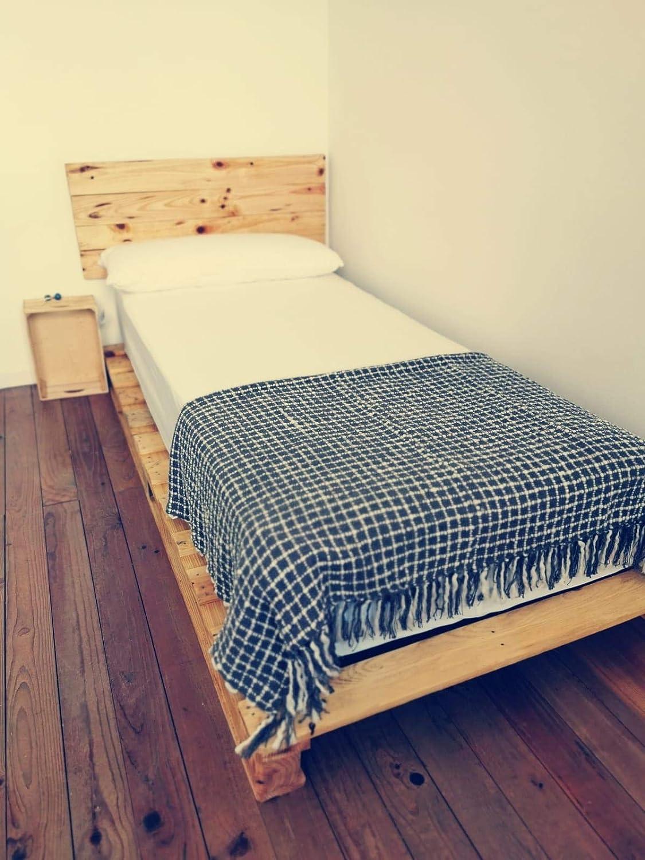 Cama de palets color madera Barnizada para colchón de 105 x 180, 190, 200 - Somier & Somieres & Base & estructuras de camas con pallet pallets pales: Amazon.es: Handmade