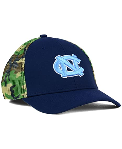 premium selection 2e450 9df06 Image Unavailable. Image not available for. Color  Nike North Carolina Tar  Heels Camo Hook Flex-Fit Hat ...