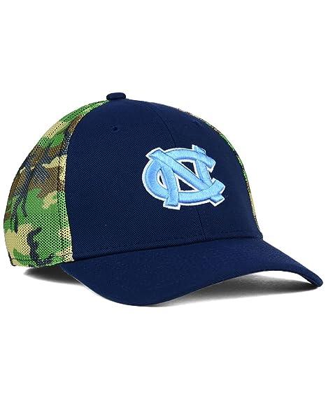 Amazon.com   Nike North Carolina Tar Heels Camo Hook Flex-Fit Hat ... e2d2aff459a