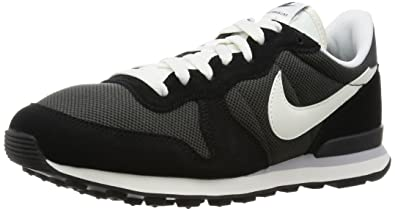 sports shoes ea921 066f8 NIKE Men s Internationalist Low-Top Sneakers, (Deep Pewter Black Anthracite  Wolf