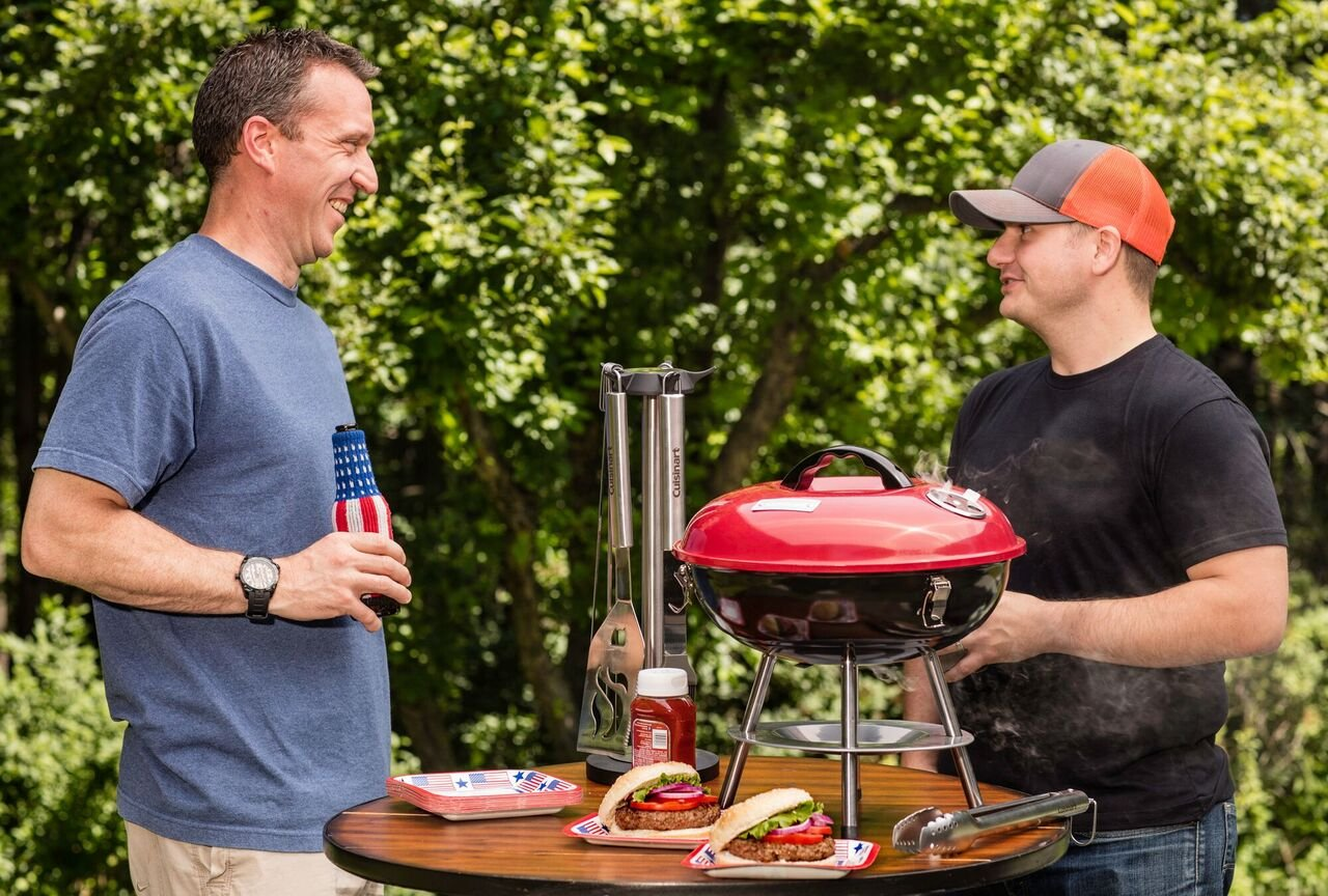 Attrayant Amazon.com : Cuisinart CCG 190RB Portable Charcoal Grill, 14 Inch, Red :  Freestanding Grills : Garden U0026 Outdoor