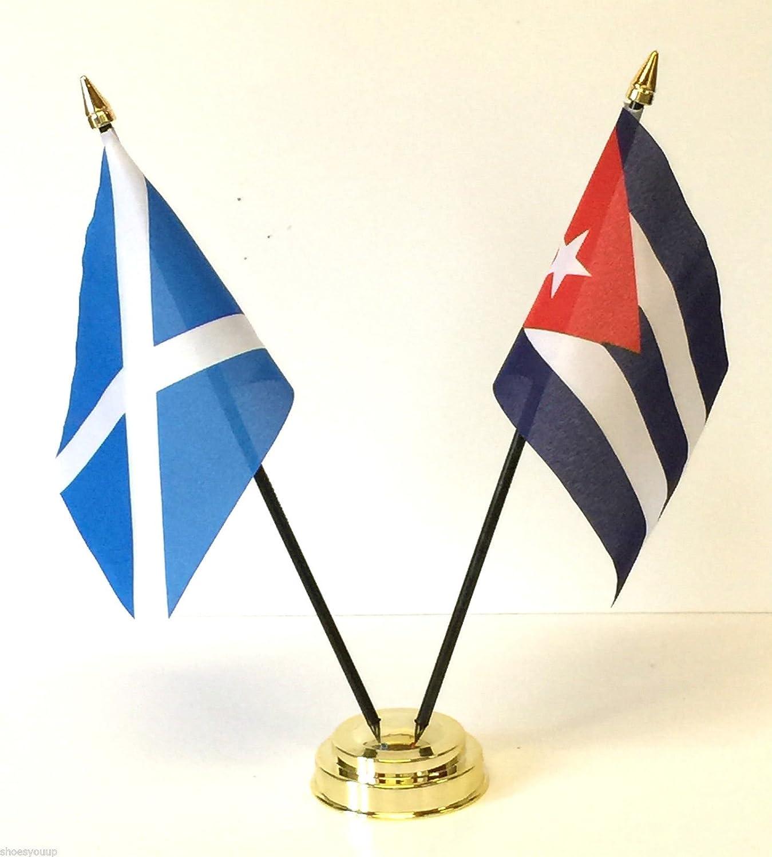 Escocia y Cuba doble juego de bandera de mesa de la amistad + Base: Amazon.es: Hogar
