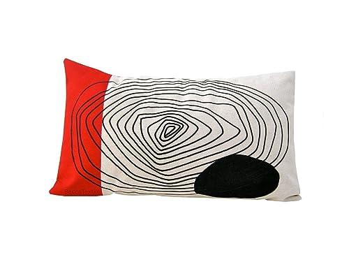 Cojín rojo y negro de dibujo geométrico, diseño original ...