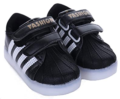 6c8eb71b56f1 Kids Boys Unisex Sports Trainers Runners with Velcro Strap Fastening Black  White (UK 4 Infant