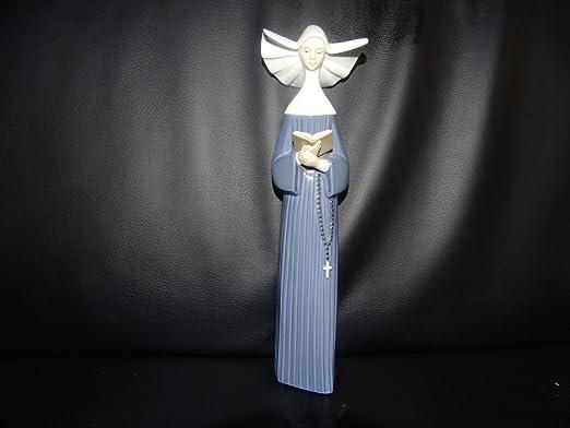 Lladró – España Porcelana Figura: Monja con libro – Nuevo: Amazon.es: Hogar