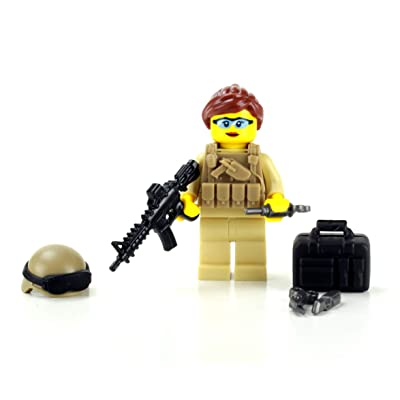 Battle Brick Woman of Valor Medic (SKU19) Custom Minifigure: Toys & Games