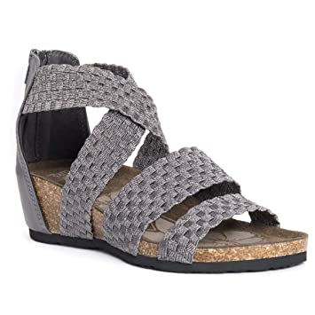 94d77fa31c5 Amazon.com  MUK LUKS 0016485220-6 Womens Elle Wedge Sandals Silver ...