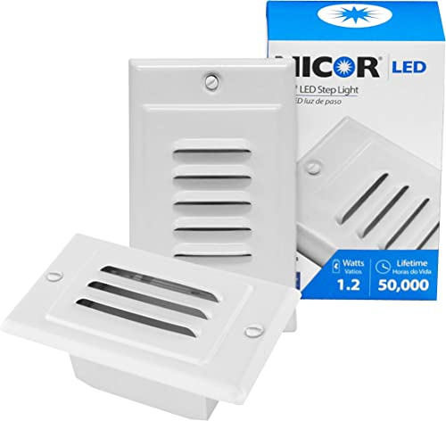 NICOR Lighting LED Step Light with Vertical and Horizontal Faceplates in White STP-10-120-WH