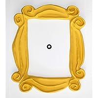 Marco amarillo con diseño de la serie FRIENDS Como se ve en la puerta de Mónica en FRIENDS. 100% hecha a mano. Es la mejor réplica que puedes encontrar. Gran regalo para un aficionado de FRIENDS.