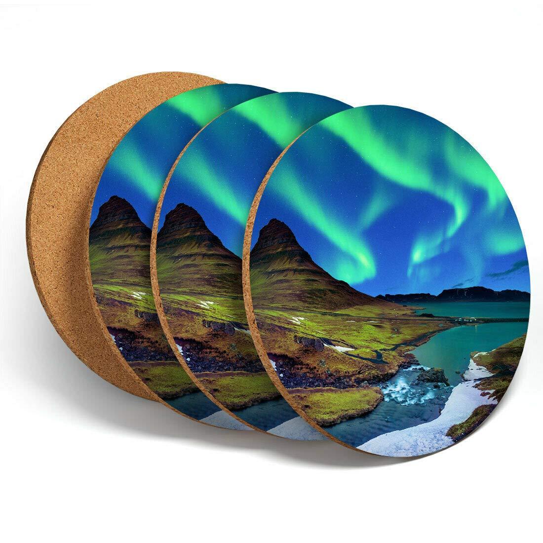 Color Verde dise/ño de Islandia y Aurora Juego de 4 Posavasos de Vinilo de Destination de Kirkjufall