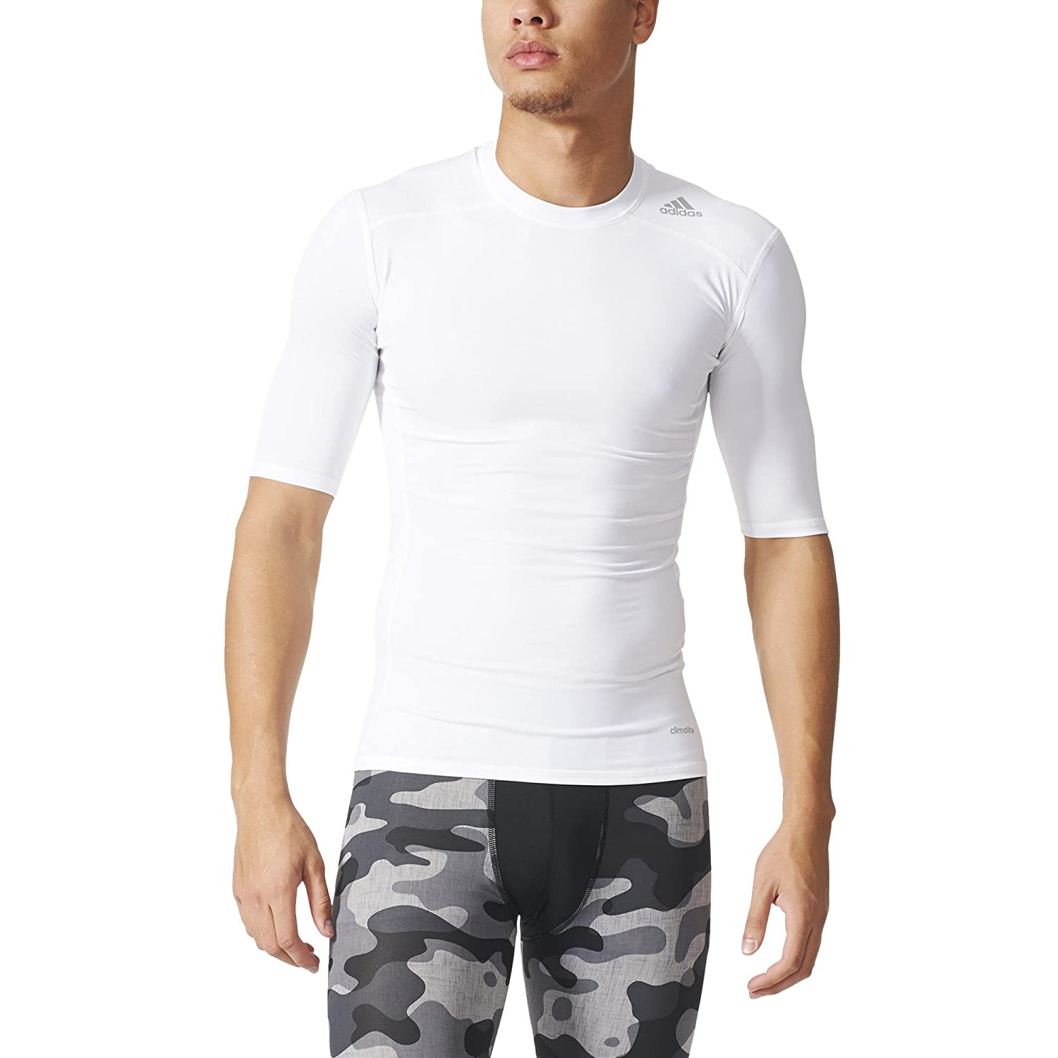 76b42e2ac adidas Men's Tech Fit Base T-Shirt: Amazon.co.uk: Clothing
