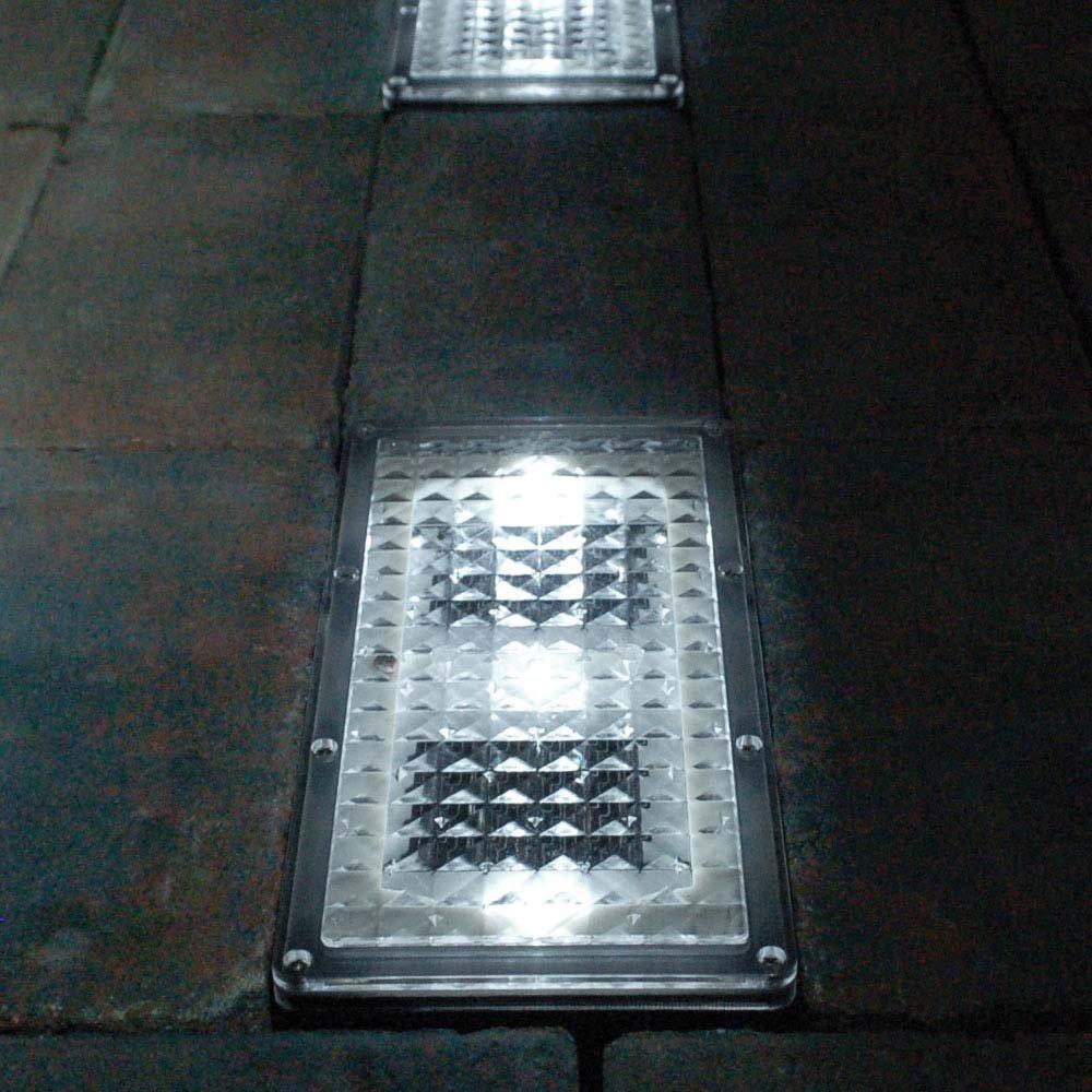 Paverlight XT Solar Powered Outdoor Brick Driveway Lights (Set of 2) SolarCentre SS9787