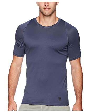 a93fc351252b Amazon.com: NIKE Men's Pro Fitted Short Sleeve Shirt: Clothing