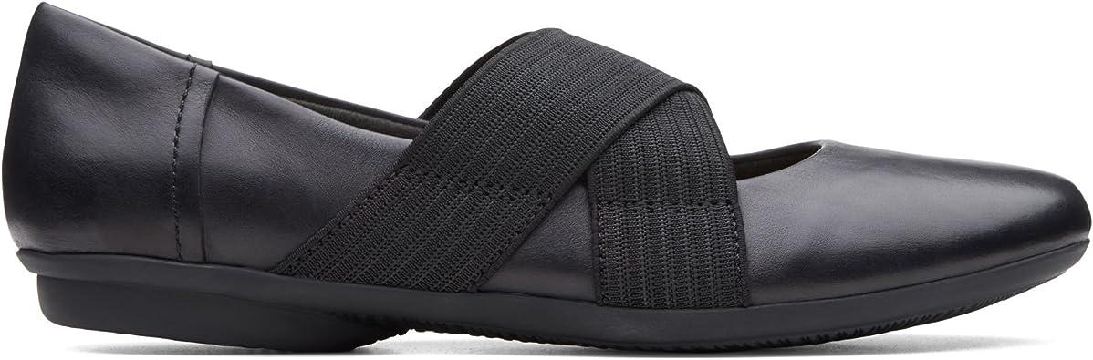 Clarks Gracelin Shea Leather Shoes in Black