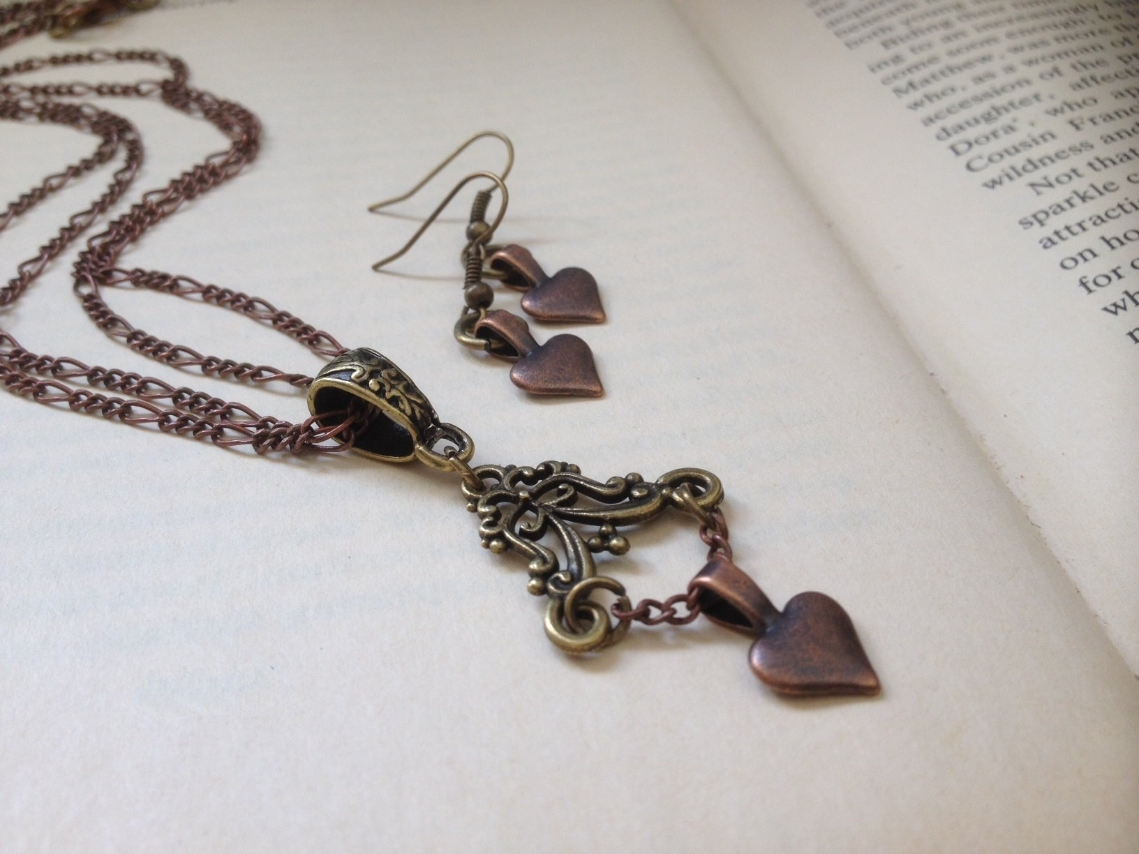 8th Wedding Anniversary Gift for Her - Vintage Heart Jewelry Set - Boxed & Gift Wrapped