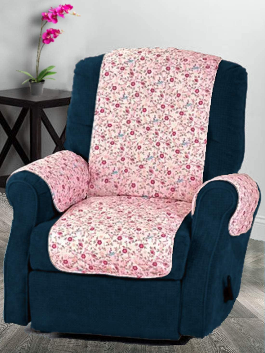 Amazon.com: ComfortFinds Quilted Chair Cover - Sofa Quilted Cover