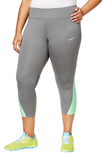 4860ff2c6098 Nike Women's Plus Size Power Compression Cropped Leggings at Amazon Women's  Clothing store: