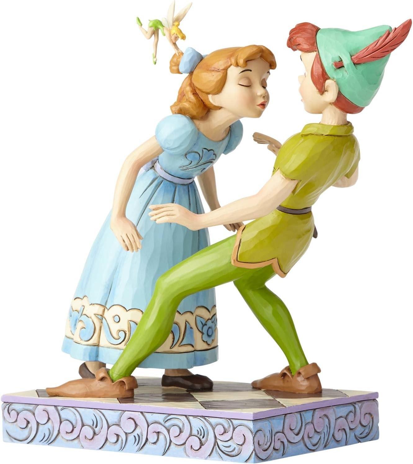 Disney Un Beso Inesperado Figurina de Peter Pan y Wendy, Resina, Multicolor, 12.7 x 8.9 x 19.3 cm