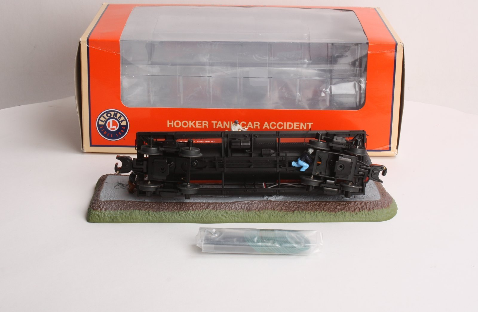 Lionel O Scale Tank Car Accident Hooker