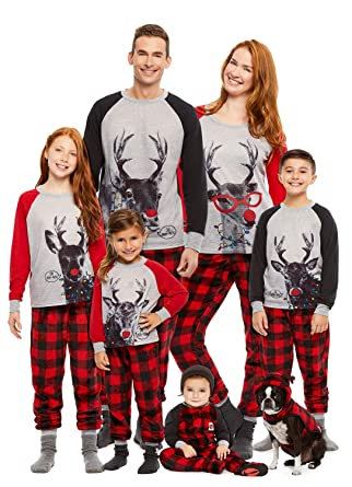 db0e564b4a84 Amazon.com  Family Holiday Oh Deer Matching Pajama Sets