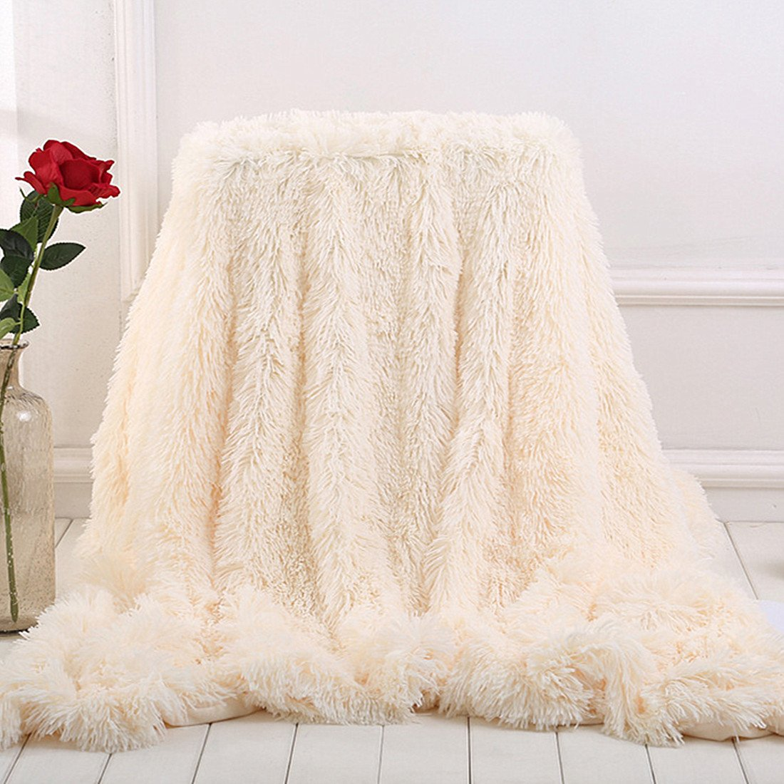 MYRU Plush Super Soft Blanket Bedding Sofa Cover Furry Fuzzy Fur Warm Throw Qulit Cozy Couch Blanket for Winter (51x63, Black)