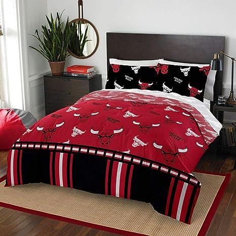 Amazon.com: HNU NBA Chicago Bulls Queen Comforter Set,Red ...