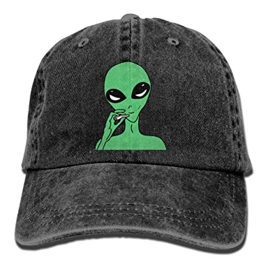 b827947dd4c Amazon.com  Men Women Trippy Smoke Alien Denim Jeanet Baseball Hat  Adjustable Street Rapper Hat  Clothing