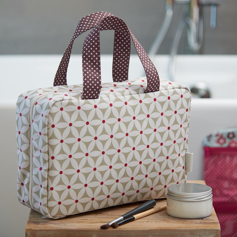 Victoria Green Sage Starflower Traveller Folding Wash Bag  Amazon.co.uk   Beauty e56d3ac9b6d23