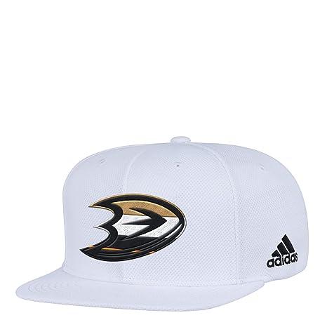Amazon.com   adidas NHL Anaheim Ducks Flat Brim Snapback Hat 4eb682c54d4