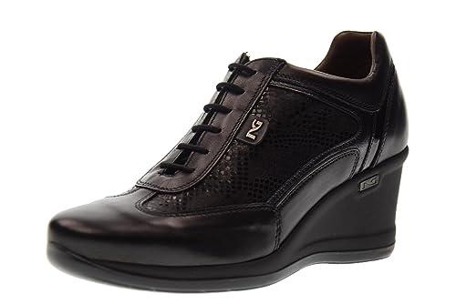 Nero Giardini Scarpe Donna Sneakers con la Zeppa A719172D 100 Nero Taglia  39 Nero  Amazon.it  Scarpe e borse b6b00f495ac