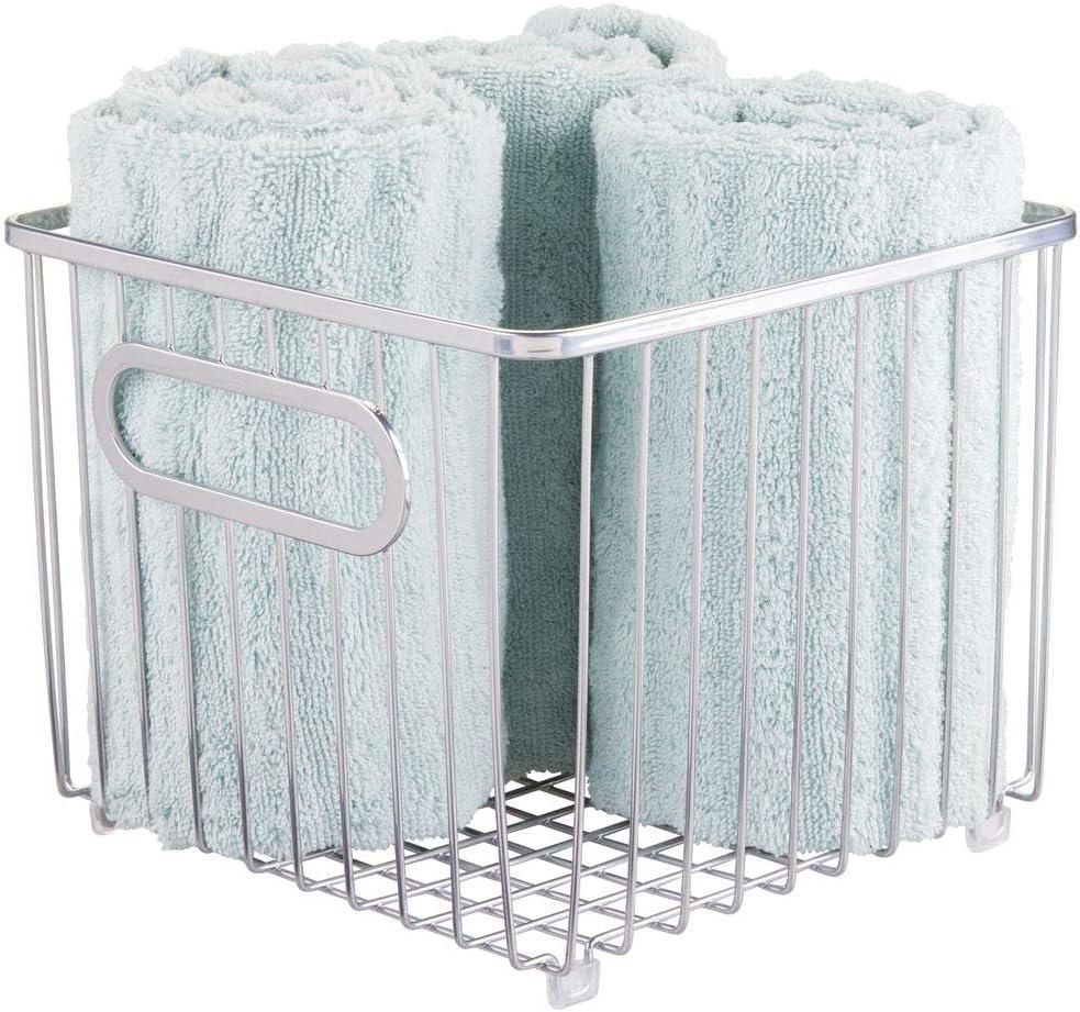 mDesign Cesta de almacenaje en metal con asas integradas – Caja organizadora pequeña con atractivo diseño de alambre – Ideal como organizador de baño para cosméticos – plateado