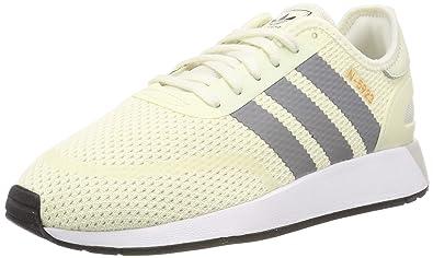 sale retailer 74edf e2982 adidas Iniki Runner CLS Chaussures de Gymnastique Homme, Blanc Cassé (Off  White Grey