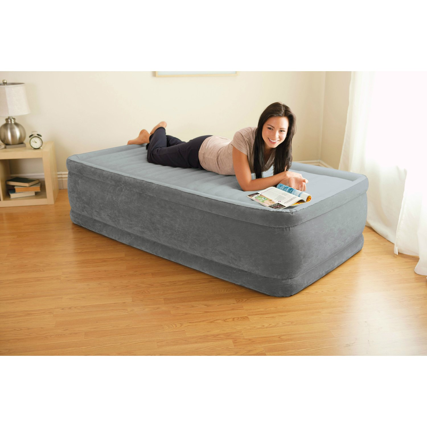 Intex Comfort Plush Elevated Dura-Beam Airbed with Built-in Electric Pump, Bed Height 18'', Twin by Intex (Image #4)