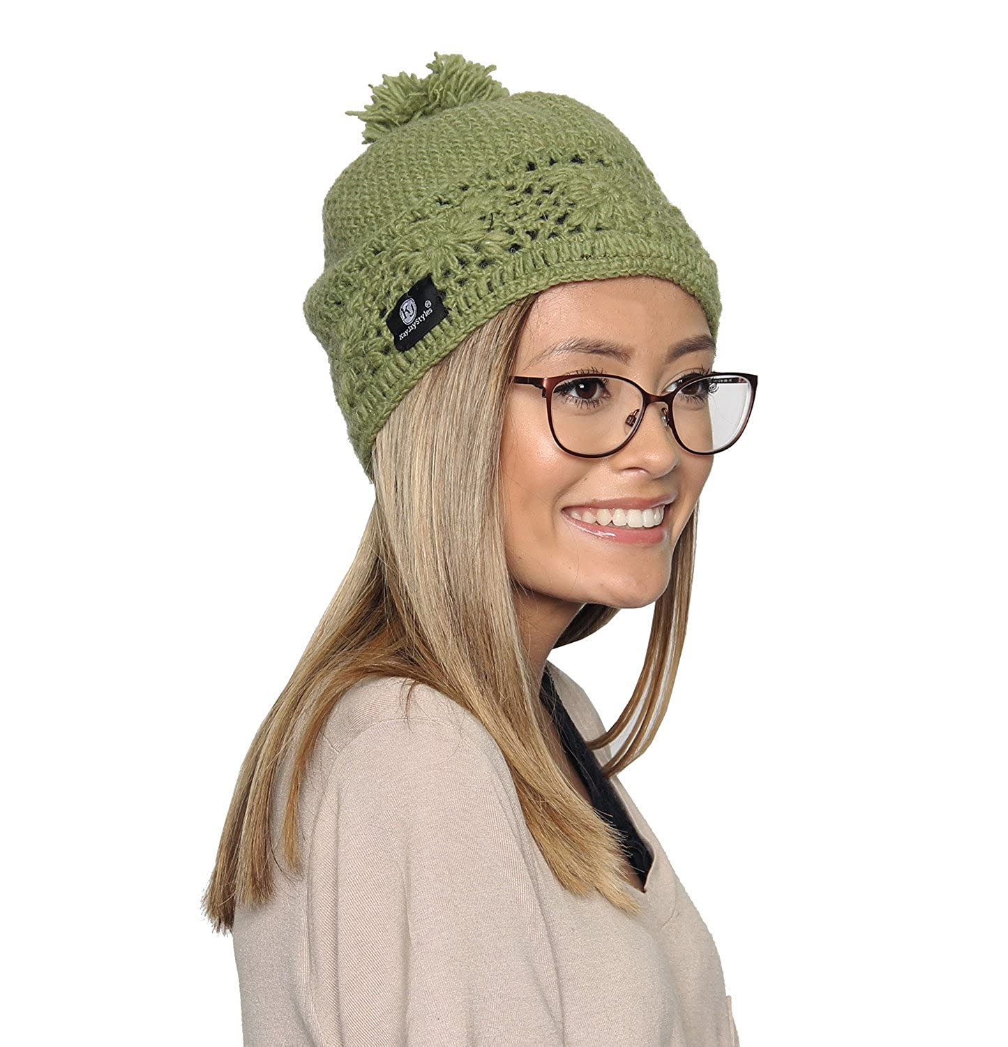 34b03efd47c Amazon.com  KayJayStyles Winter Woolen Nepal Hand Cabel Knit Pom Pom Beanie  Hat Cap (Green)  Clothing