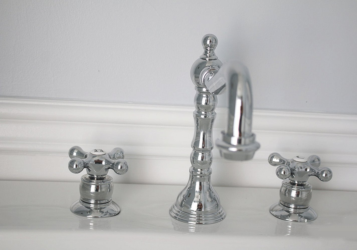 Symmons SLW-4412 Carrington Lavatory Faucet - Touch On Bathroom ...