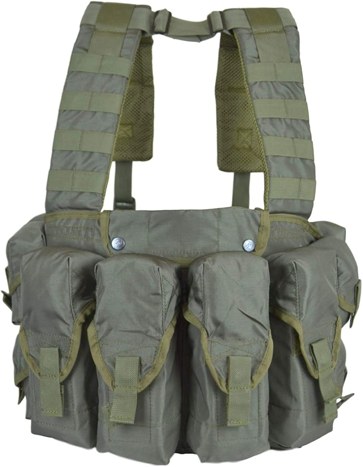 Photo of the Tactical Vest Lazutchik Scout Chest Rig in green color. Four same-sized pockets at the front.