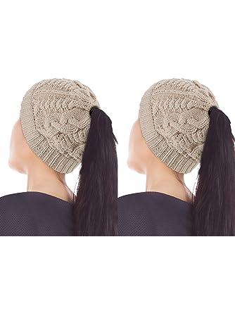 2 Pièces Bonnet Queue de Cheval Femme Bonnet Désossé Haut en Maille Torsadée  Chapeau en Queue 51db66c17d6