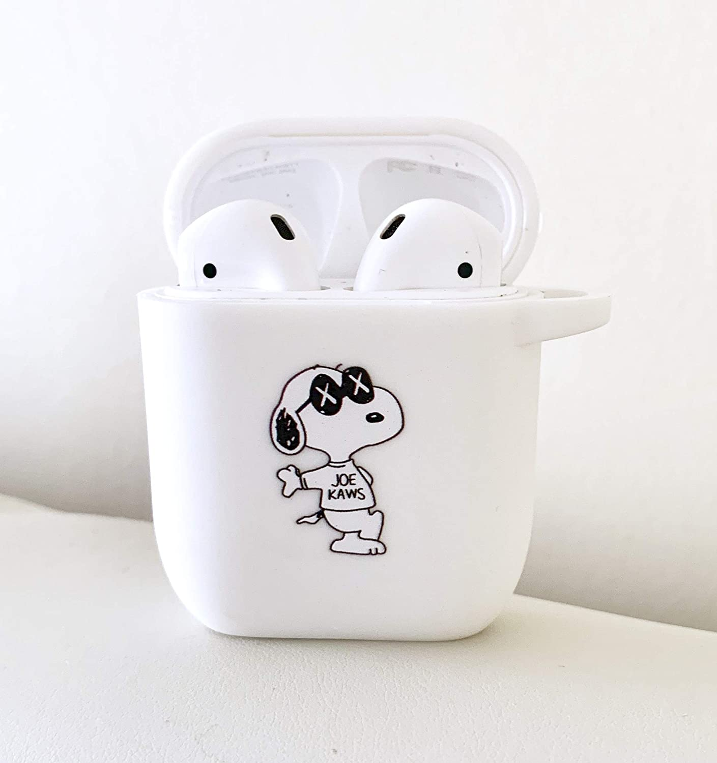 Charlie /& Snoopy Hug Cute Cartoon TPU Silicone Case for Apple AirPods Shockproof Cover fits 1st /& 2nd Generation