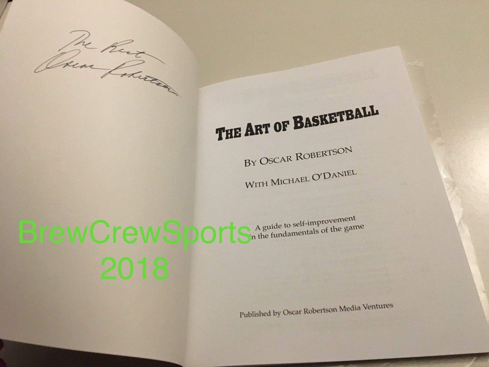 Oscar Robertson Autograph Autographed Signed The Art Of Basketball Book Beckett Coa NBA Hof