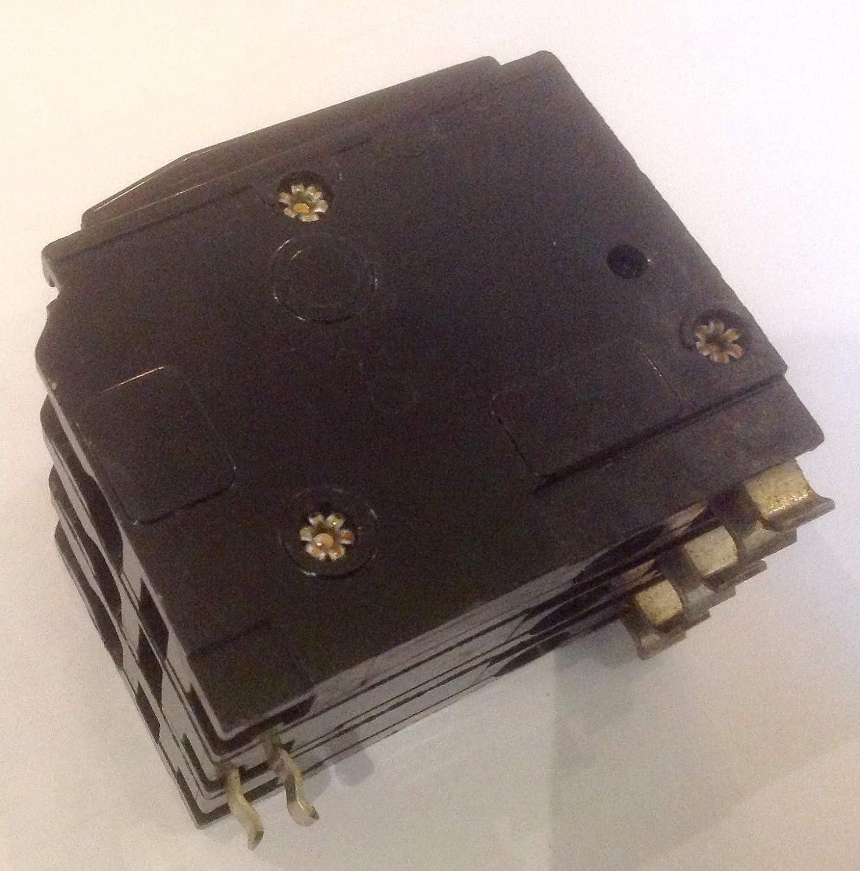 Square D 40 Amp Type 4 M3 Triple Pole Circuit Breaker 415V 40A MCB QO X QOX