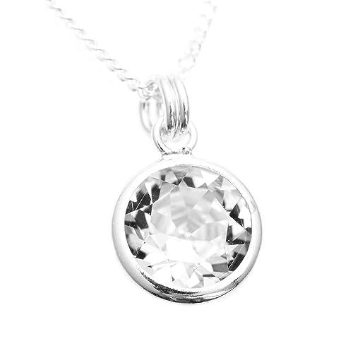 96f5623d8414 pewterhooter. Colgante y cadena de plata de ley 925 hechos a mano con  cristal brillante blanco diamante de SWAROVSKI® en un canal plateado.
