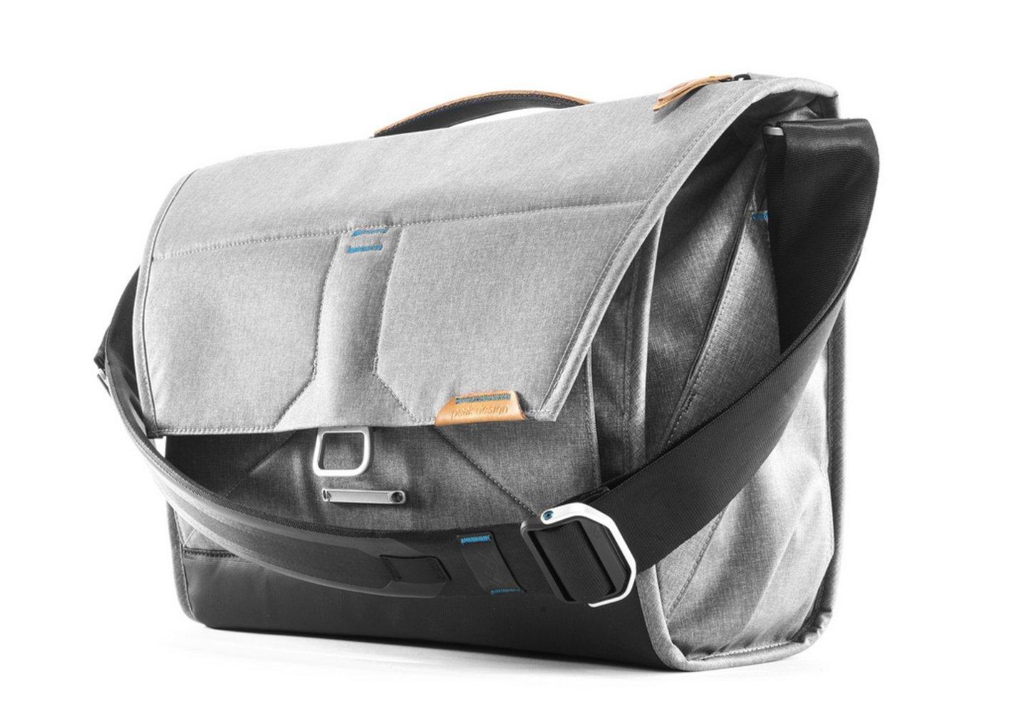 Peak Design Everyday Messenger Bag 15'' (Ash) by Peak Design (Image #1)