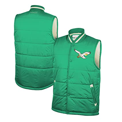 8a79f45b4c9 Amazon.com   Mitchell   Ness Philadelphia Eagles Amazing Catch Vest ...