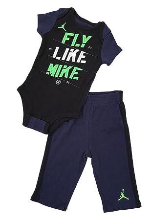 Nouvelles Arrivées 9d648 88c89 Nike Jordan bébé Nouveau-né bébé 3/6 Mois Layette - Ensemble ...