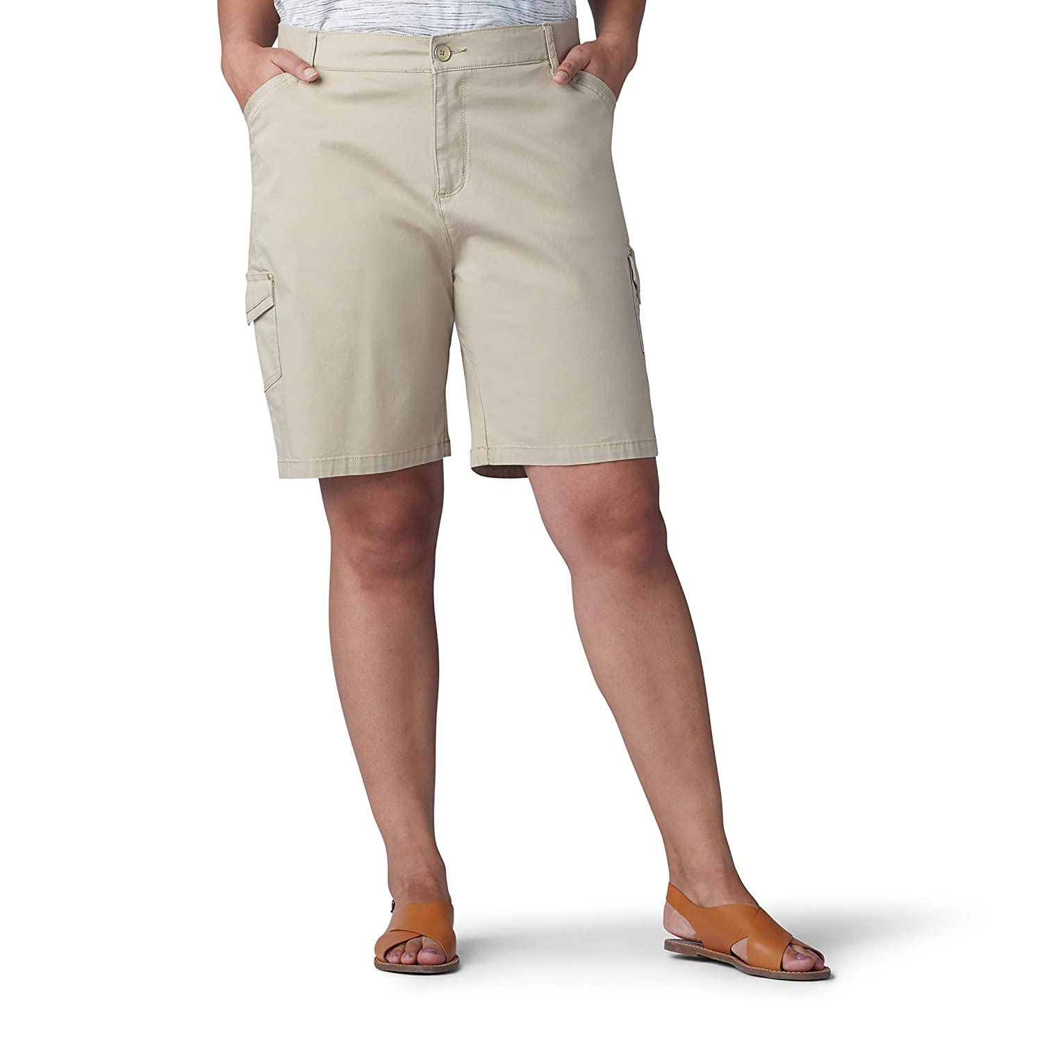 9477bf6bb2 LEE Women's Plus Size Flex-to-go Relaxed Fit Cargo Bermuda Short |  Amazon.com