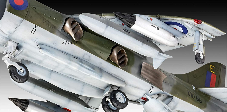 Hawker Harrier Gr Mk.1 Fighter 1:32 Plastic Model Kit 05690 REVELL